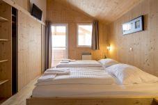 Chalet Schlafzimmer mit Doppelbett Turrach