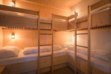 Chalet Vierbettzimmer mit Stockbetten Turrach