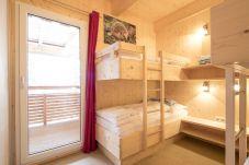 Vierbettzimmer mit Stockbetten Turrach