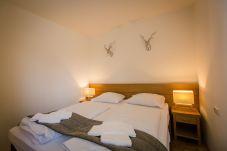 FEWO Schlafzimmer Doppelbett Turrach