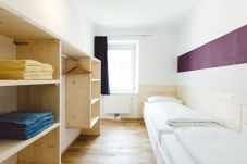 Schlafzimmer Einzelbetten Regale