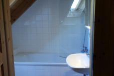Badezimmer Fliesen Weiß Badewanne