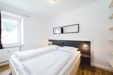 Doppelbett Appartement Fenster