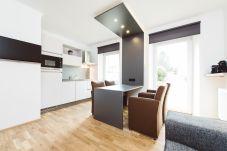 Küche Wohnbereich Essbereich Balkon