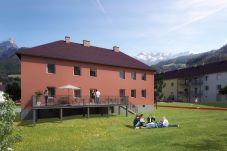 Clubhaus Aussenansicht Sommer