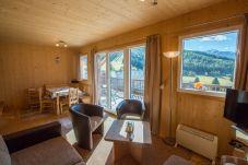 Chalet Steiermark Wohnzimmer Ausblick Skipiste