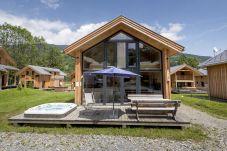 Ferienhaus Terrasse Jacuzzi Sommer