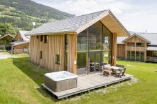 Tulpen Chalet Sommer Jacuzzi
