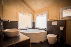 Badezimmer Whirlwanne Entspannung Wohlfühlen