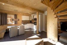 Wohnzimmer Küche Chalet Treppe