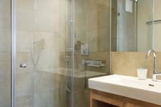 Badezimmer WC Dusche Suite Appartement Urlaub Österreich