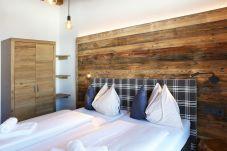 Doppelbett Blau Weiß Kariert Holz Schön