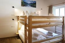Doppelstockbett Wandbild Kinderzimmer viel Platz