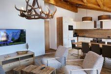 Geweih Kunst Holzeinrichtung Luxuriös Wohnraum